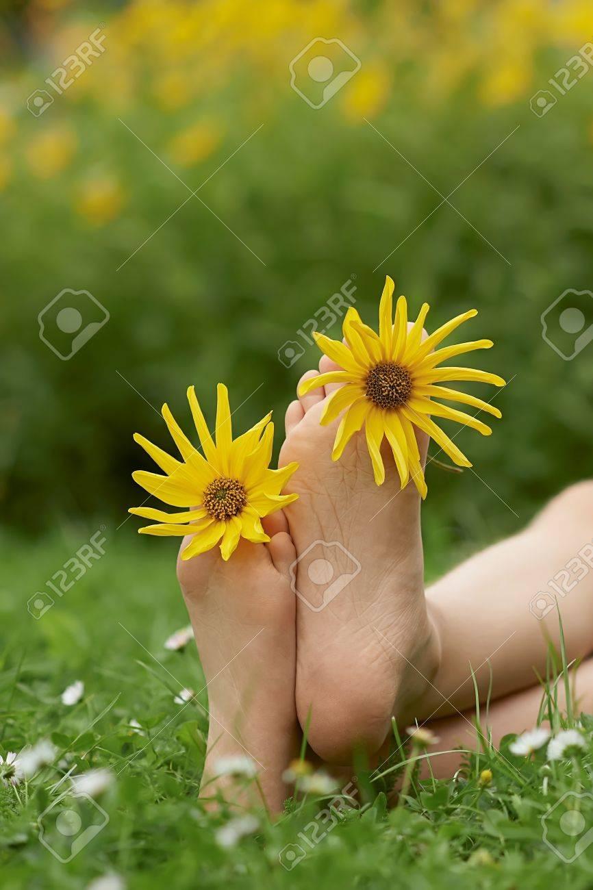Цветок между ног картинки 9 фотография