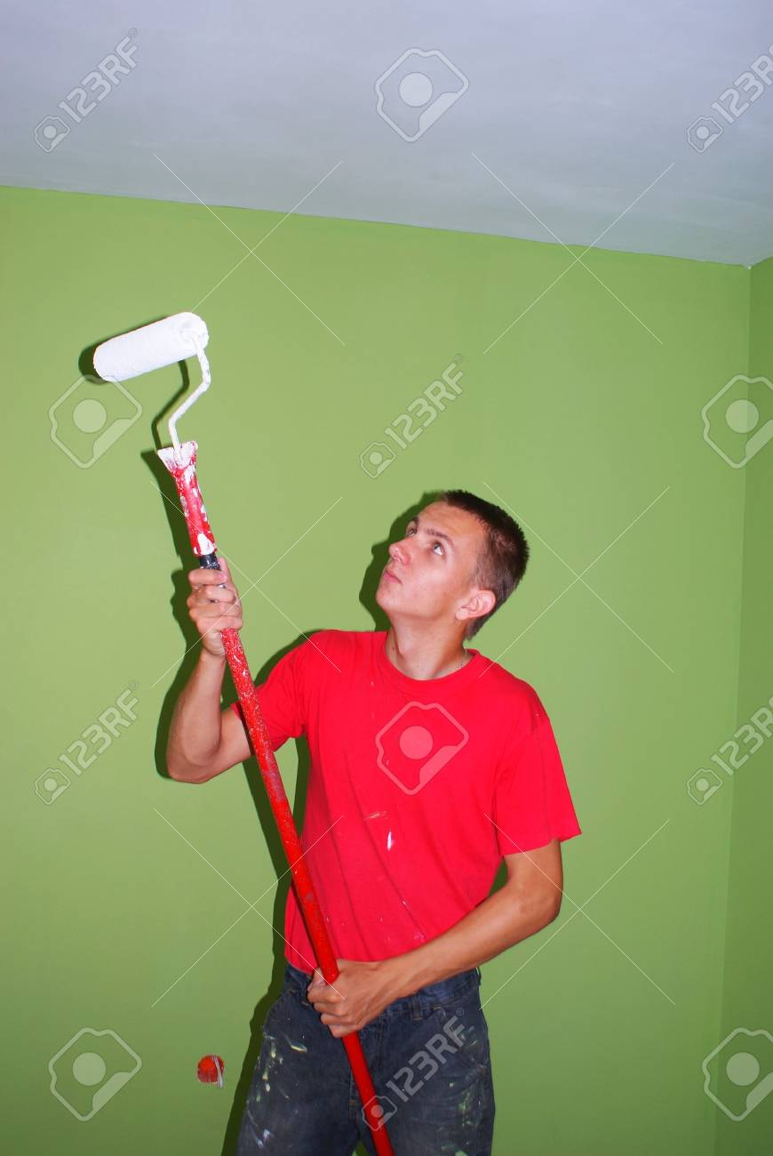 This is a man keeping the painbrush. Stock Photo - 5101818