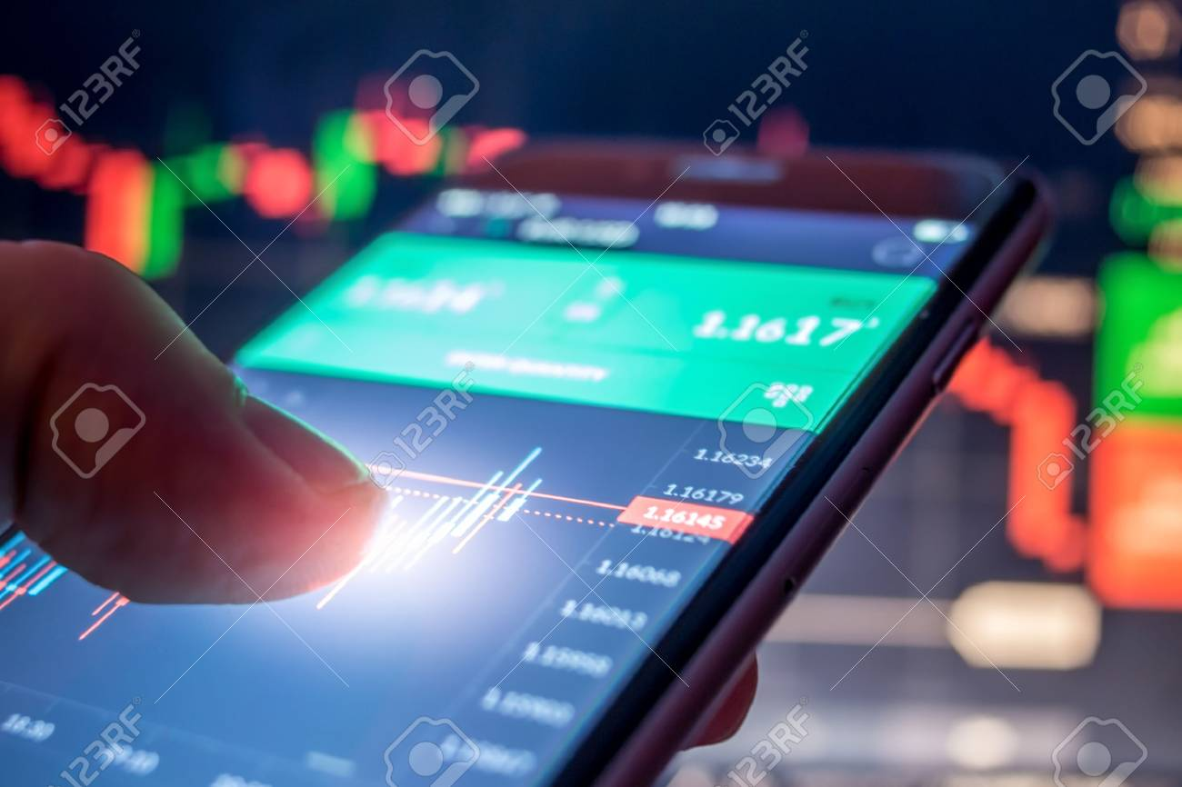 Day trader Forex using mobile phone - 89690956