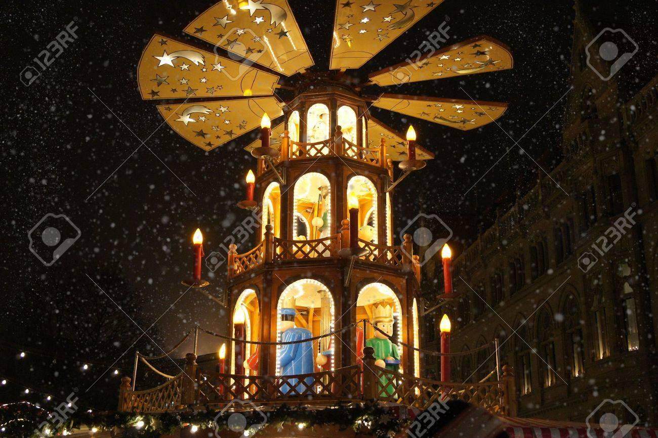 Christmas merry-go-round Stock Photo - 14757000