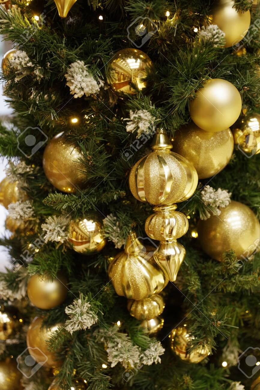 christmas tree decoration - 129195891