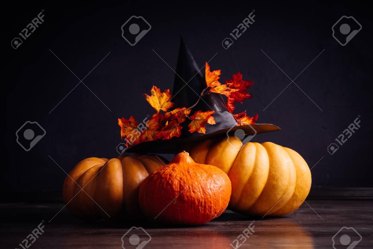 Eine Komposition Für Die Dekoration Eines Hauses Für Halloween ...