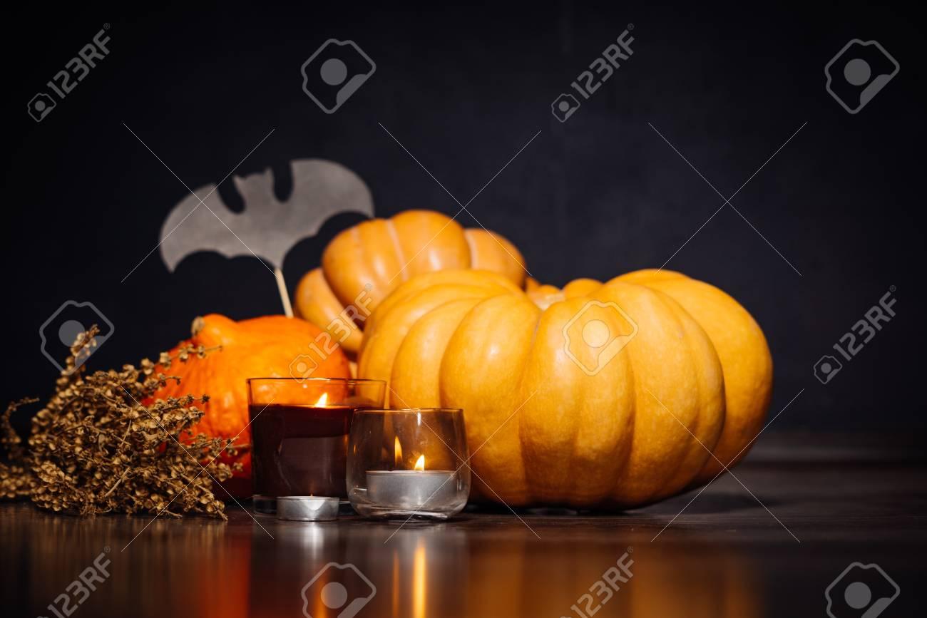 Zusammensetzung Für Die Dekoration Eines Hauses Für Halloween ...
