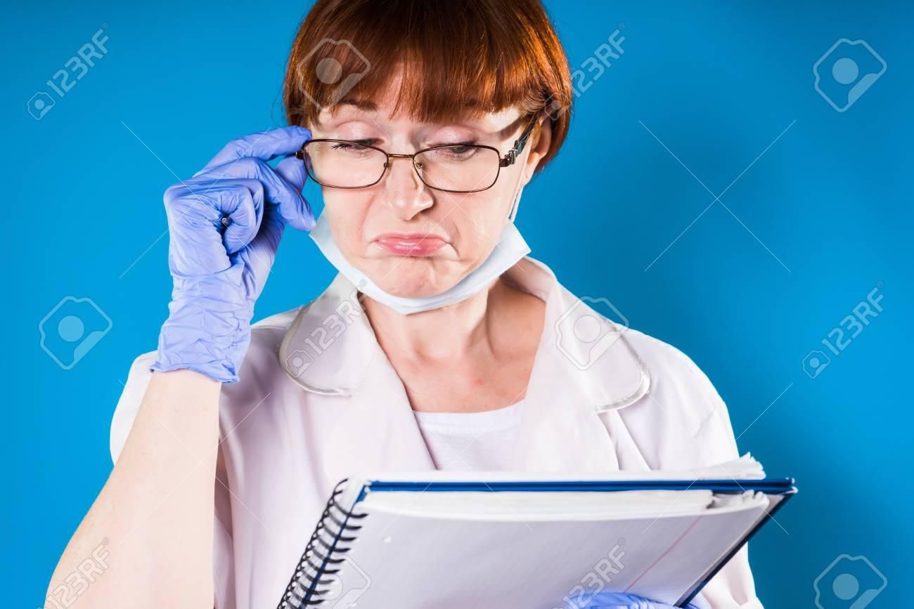 🤑医学 書 女性 写真