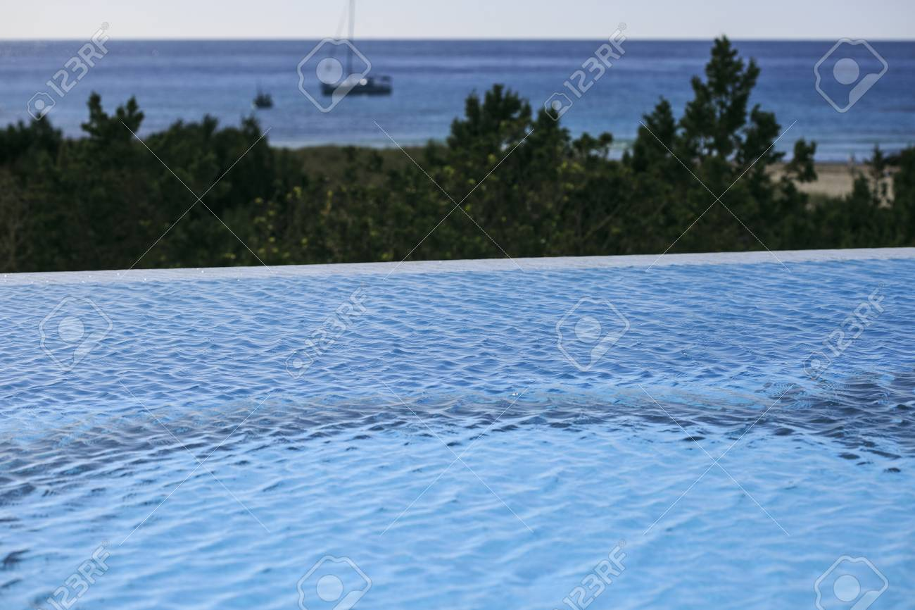 Infinite Swimming Pool Stock Photo, Picture And Royalty Free Image ...