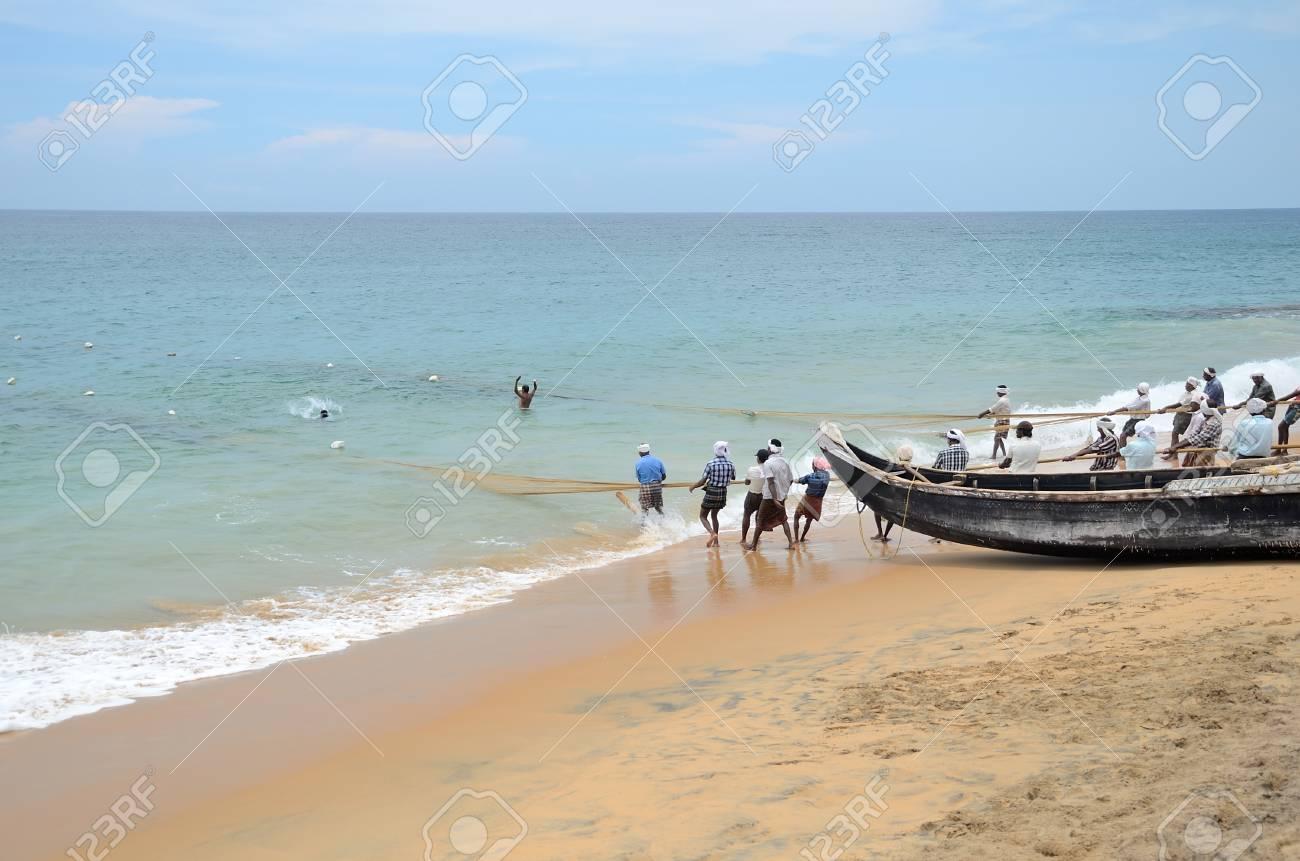 伝統的な漁師は、コバラムのビー...