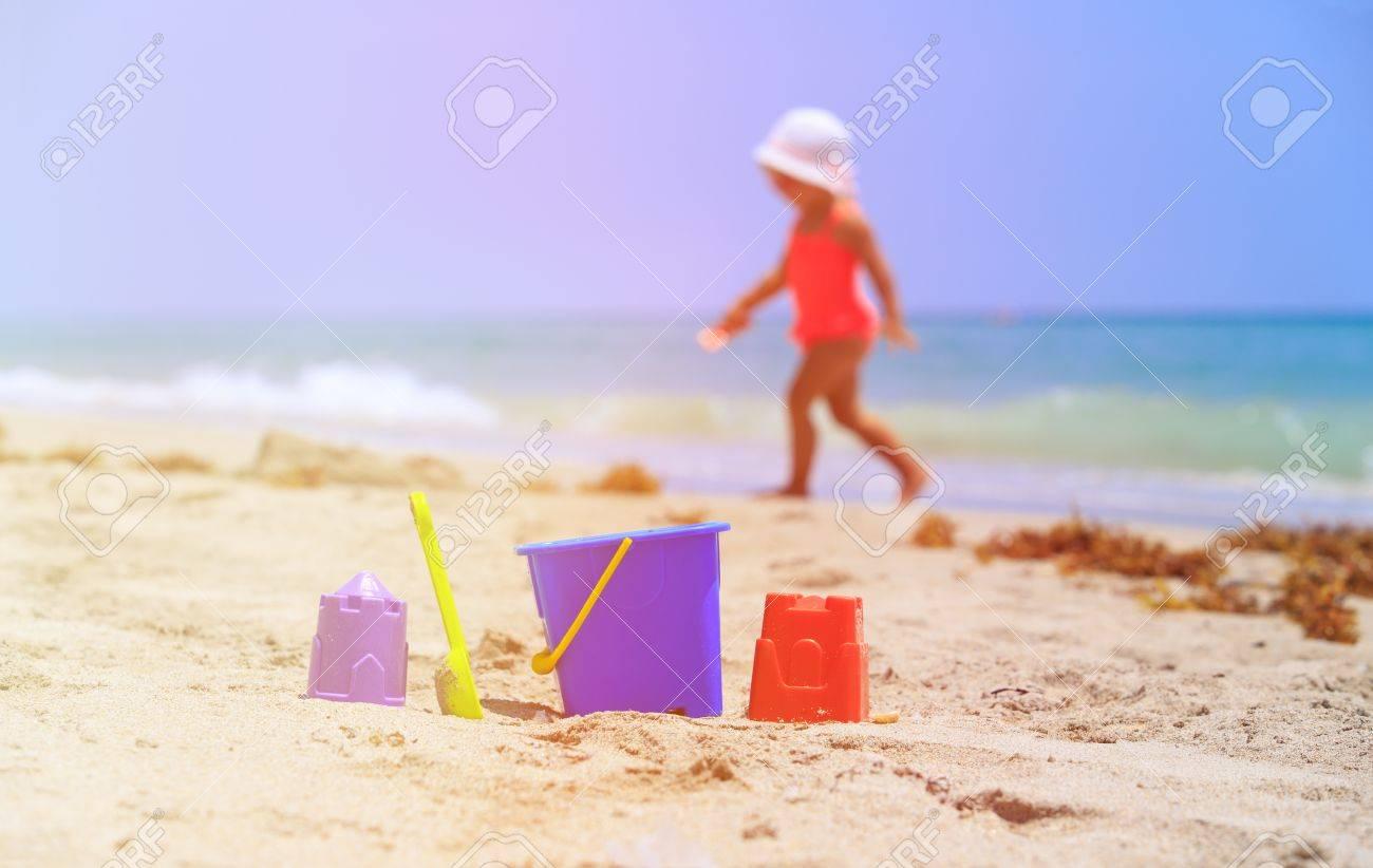 sulla bambini bambine spiaggiaspiaggia che Giocattoli giocano e per xBoEdWCQer