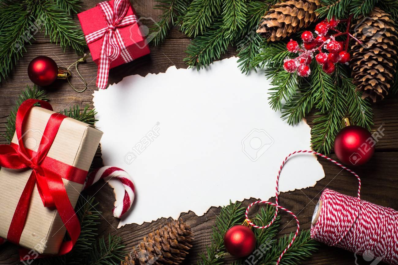 Fond De Noël Ou Une Carte De Voeux. Boîte De Cadeau De Noël