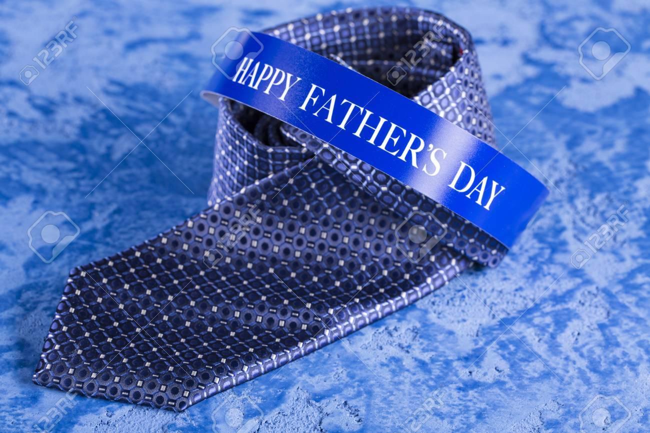 Cravatta Blu E Gemelli Su Uno Sfondo Di Marmo Blu Per La Festa Del Papà