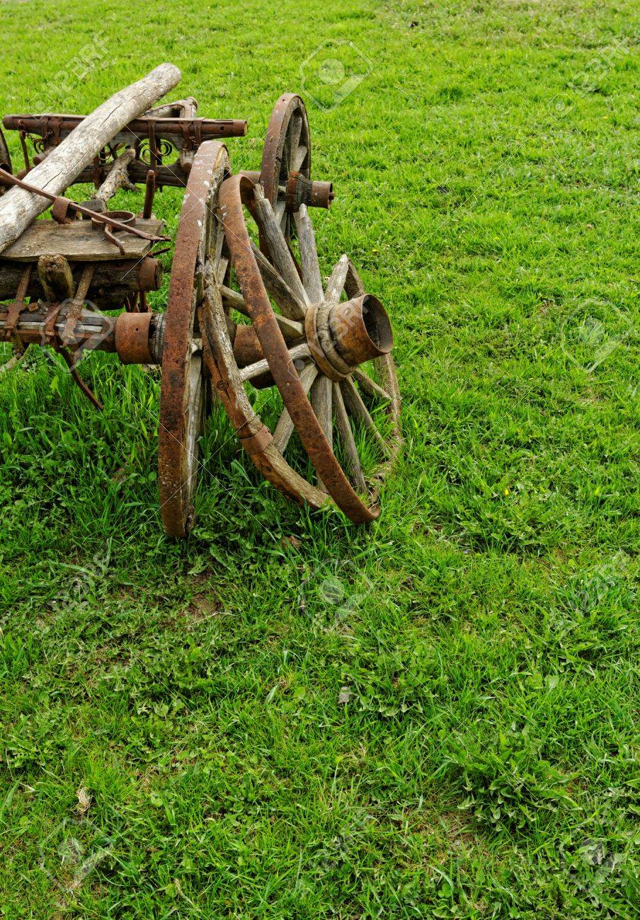 old broken wooden wheel spokes, side by chariot Stock Photo - 20209024