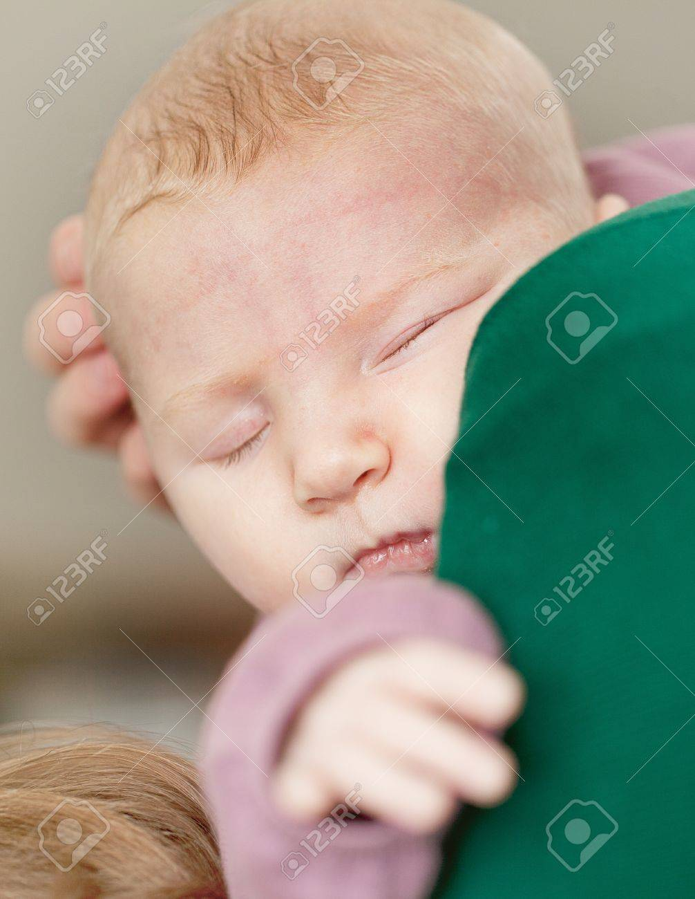 Portrait of a 4 month old baby girl Stock Photo - 13622327