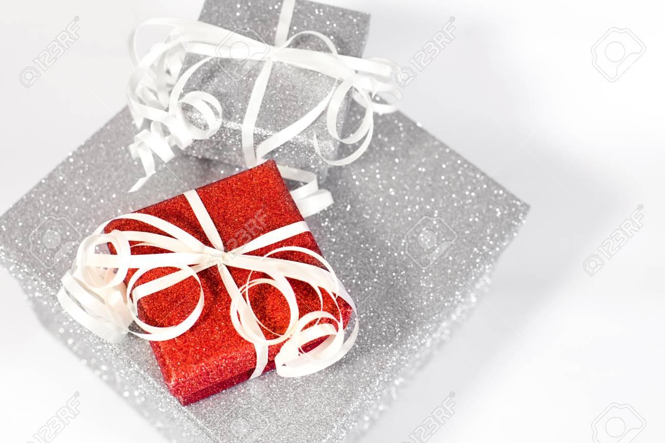 Christmas Gift Fotos, Retratos, Imágenes Y Fotografía De Archivo ...