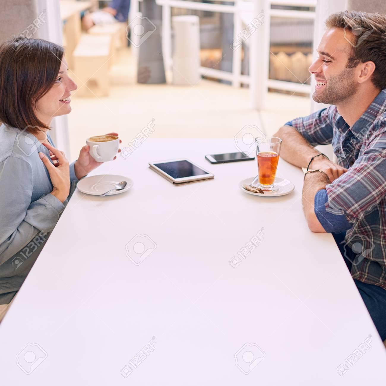Homme recherchant un couple [PUNIQRANDLINE-(au-dating-names.txt) 52