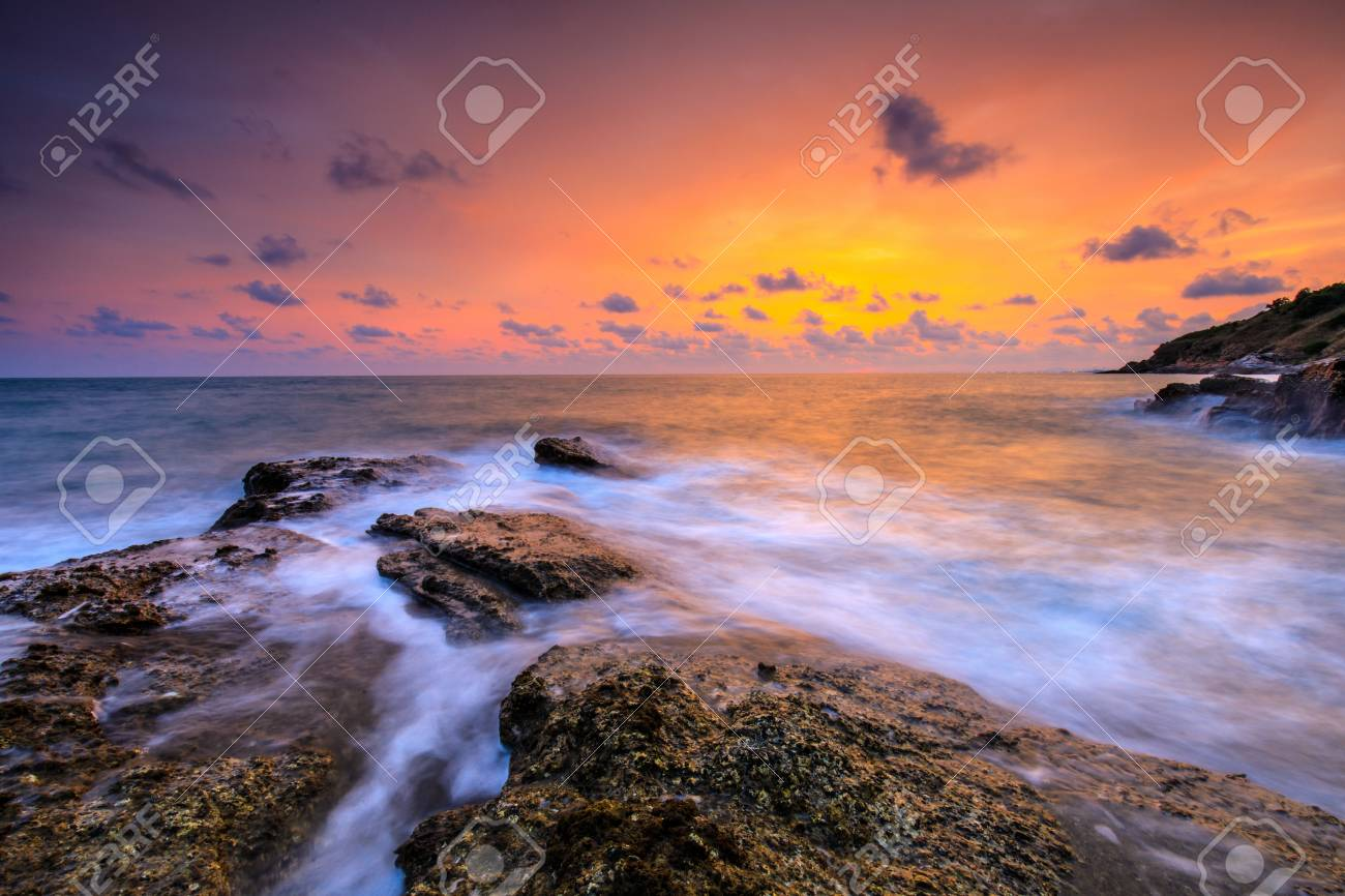 Colorful sunset on the sea in Khaoleamya-mookoh samet national park Rayong province, Thailand. - 103946042