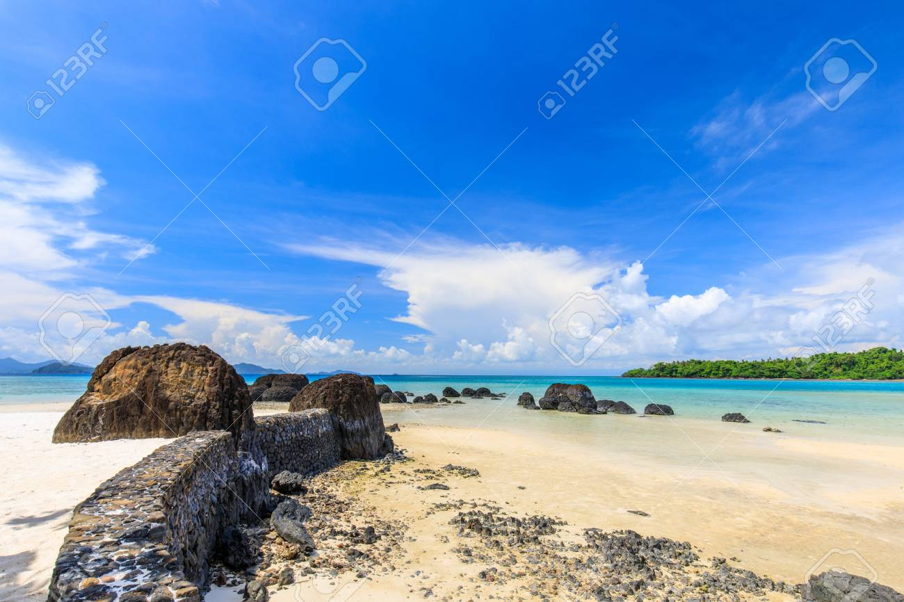 Beautiful volcanic rocks along the beach in Koh Mak island, Trat province,Thailand - 106342877