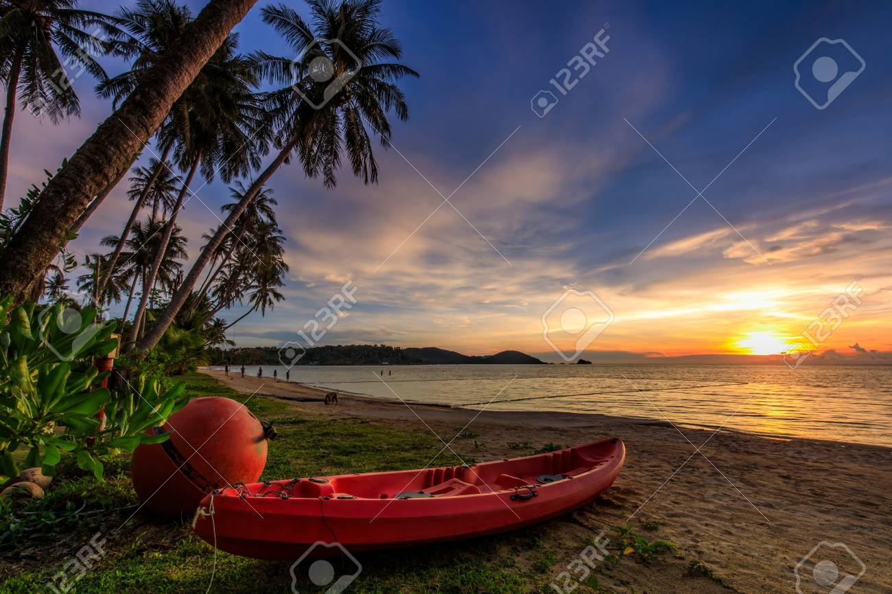 Colorful sunset on tropical beach in Koh Mak island, Trat province, Thailand. - 106342989