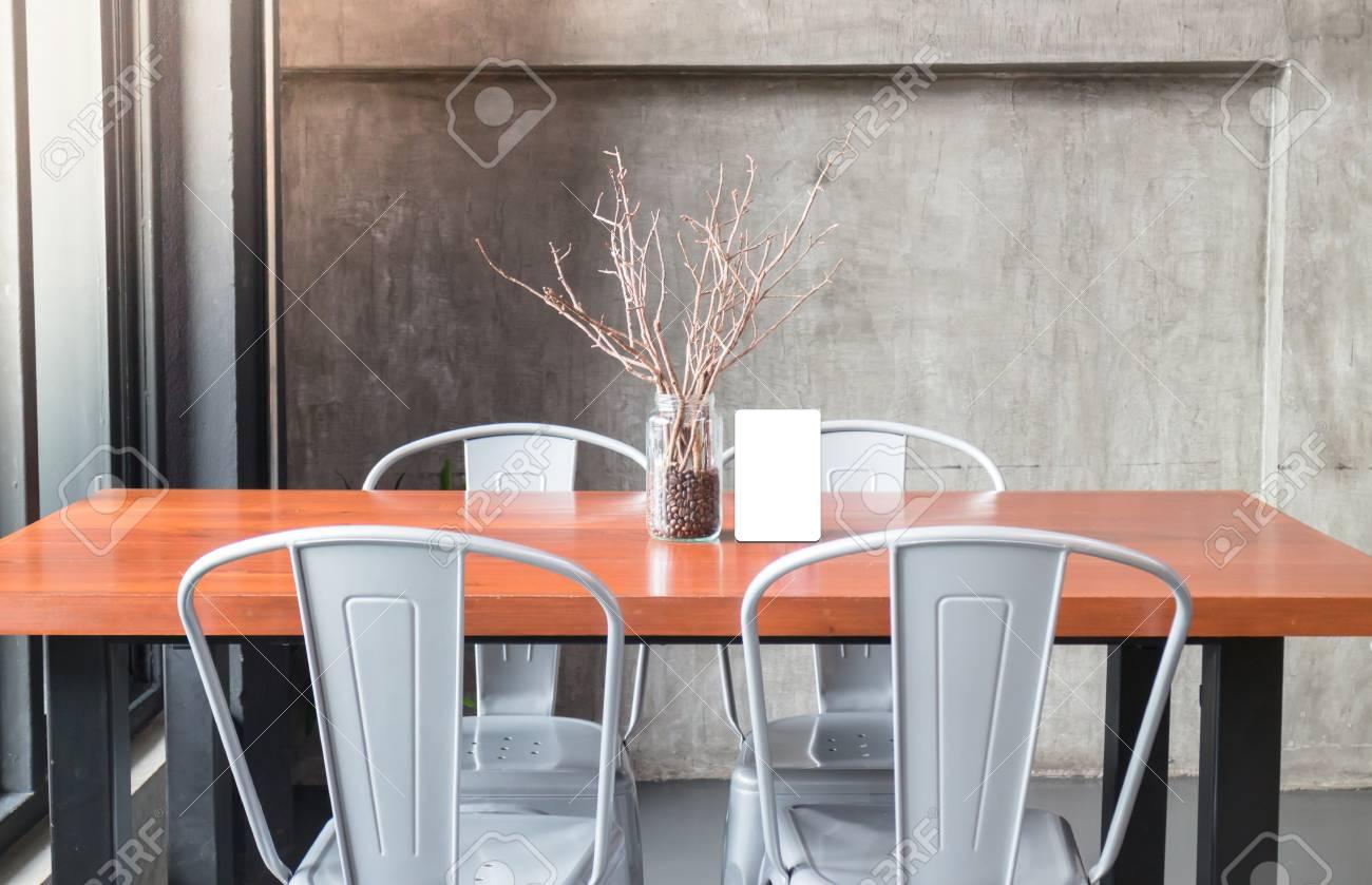 Mock Up Rahmen Auf Dem Tisch In Der Bar Restaurant Café, Stock-Foto ...