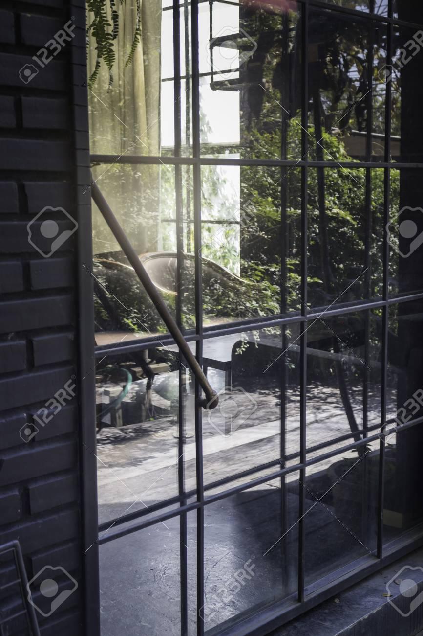 Old steel door to the living room, stock photo Standard-Bild - 95155949