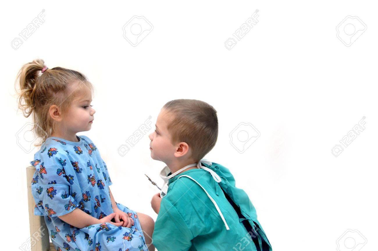 Фото с маленькими девочкой и мальчиком 12 фотография