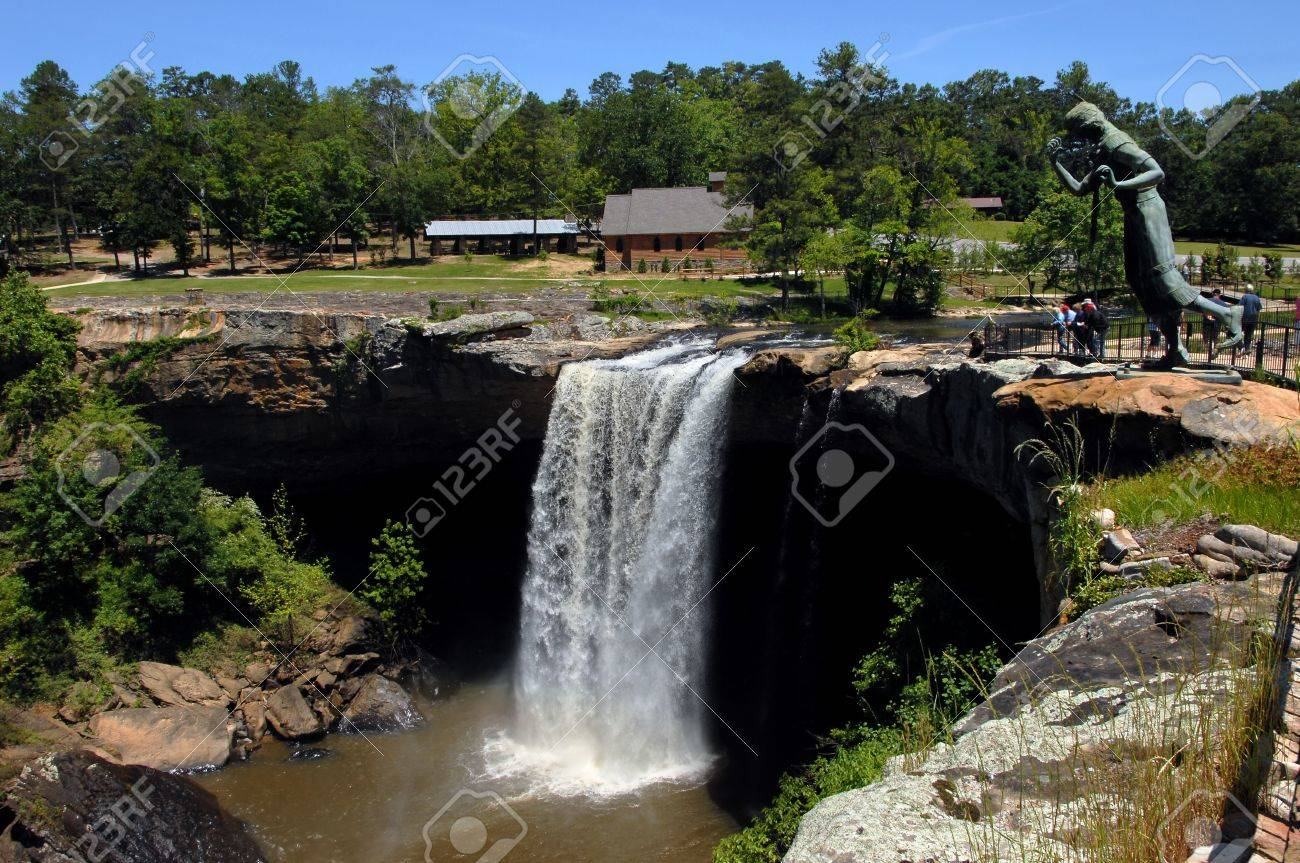 Noccalula Falls Is Visited By Tourists At The Nocalula Falls.. Stock ...