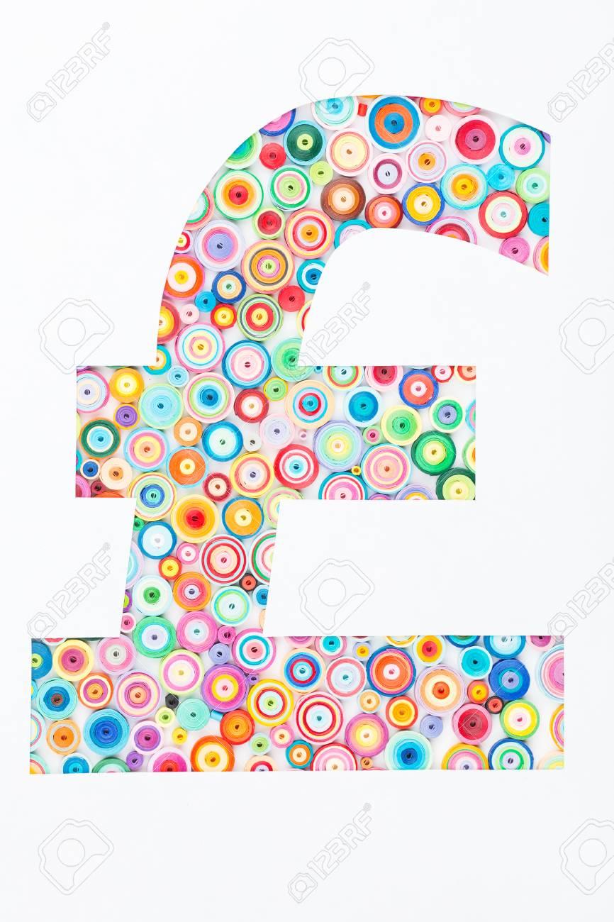 Concept De Livre Sterling Sur Papier Colore Avec Technique De Quilling Sur Fond Blanc