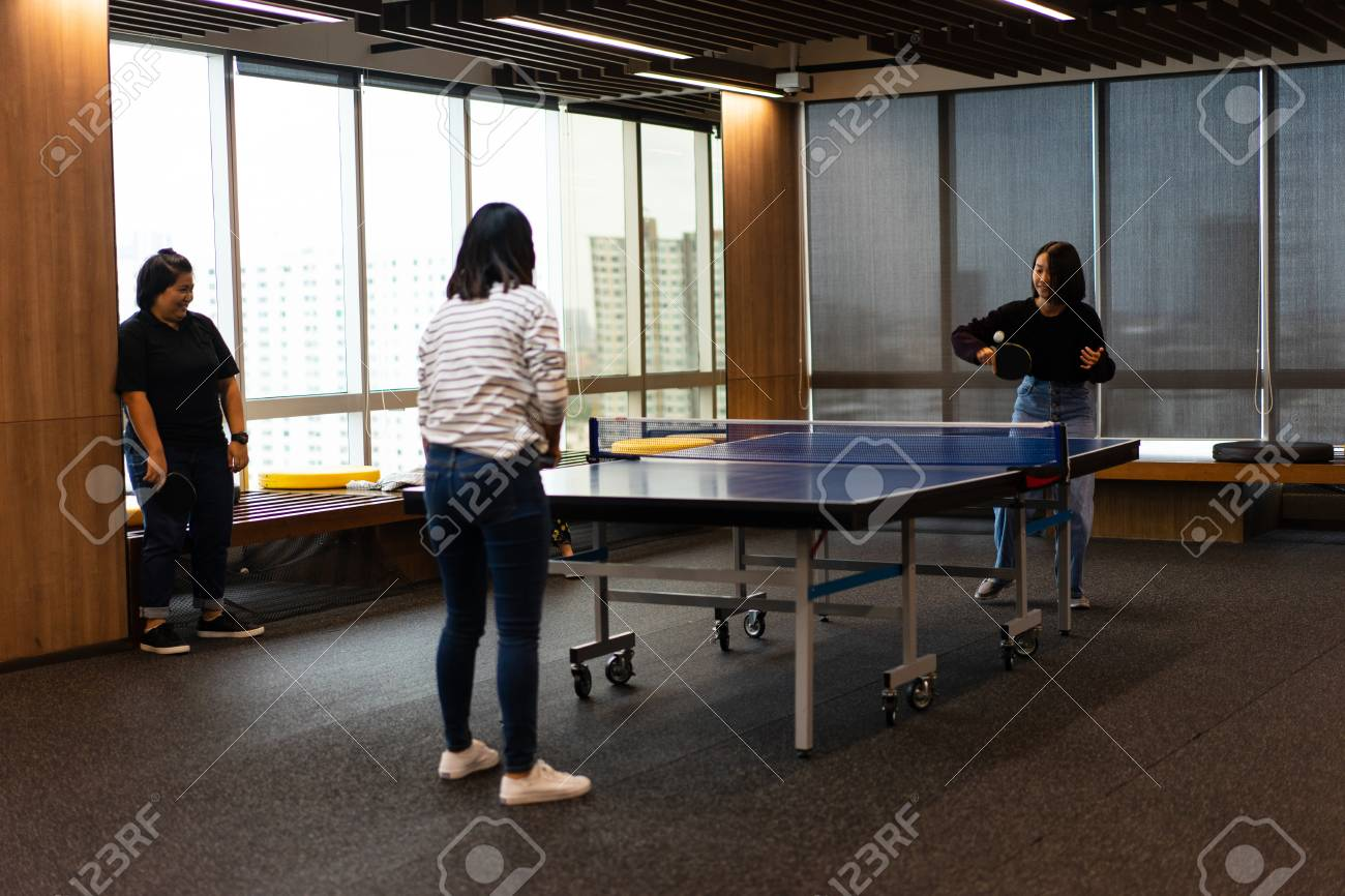 Magnificent Girls Is Playing Table Tennis In Free Time At The Office Home Interior And Landscaping Dextoversignezvosmurscom
