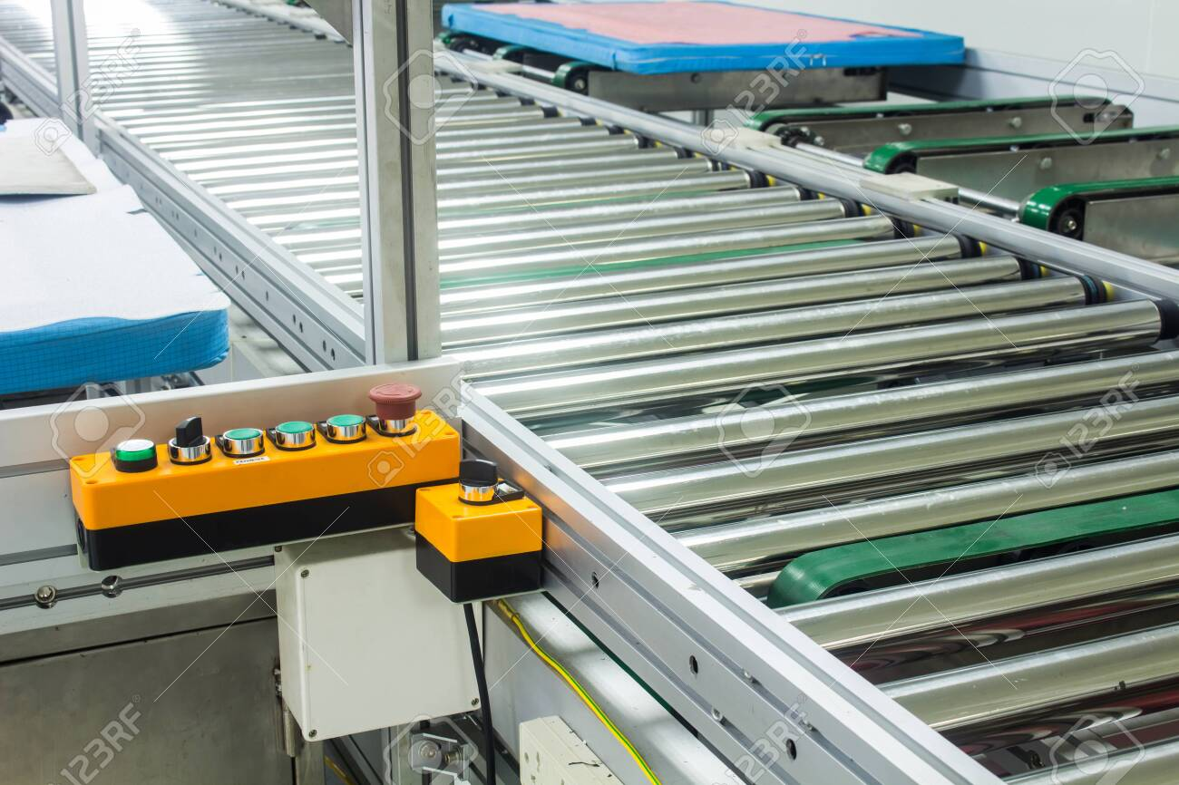 The emergency stop button on conveyor chain, and conveyor belt