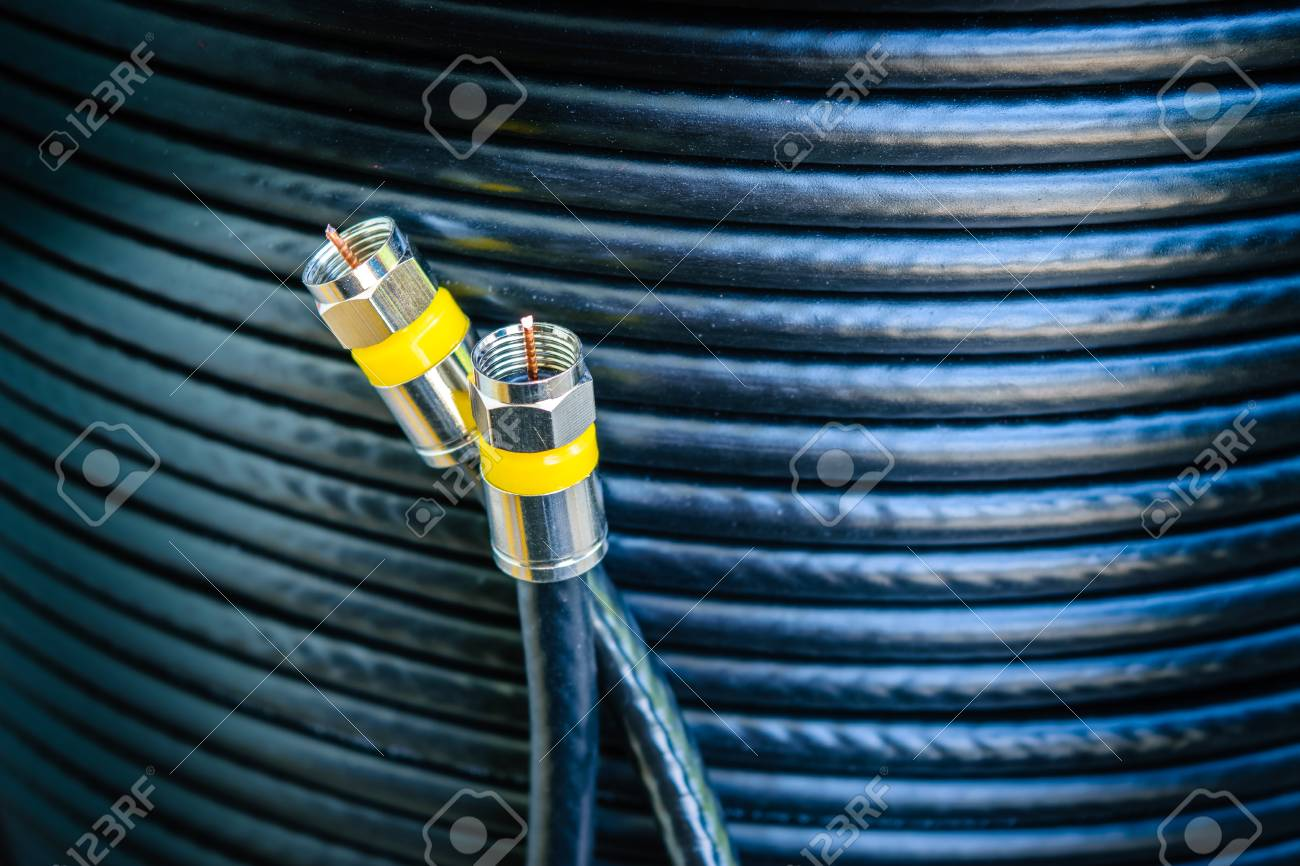 Connector F-type With Roll Of Outdoor RG6 Signal Shielded Cable ...