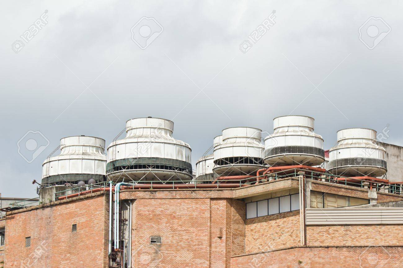 Commercial Air Condioners On Top Of Building Stock Photo - 15061770