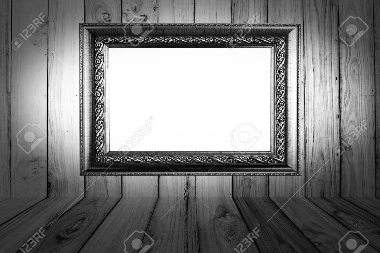 Legno Bianco E Nero : Photoframe su sfondo legno bianco e nero foto royalty free