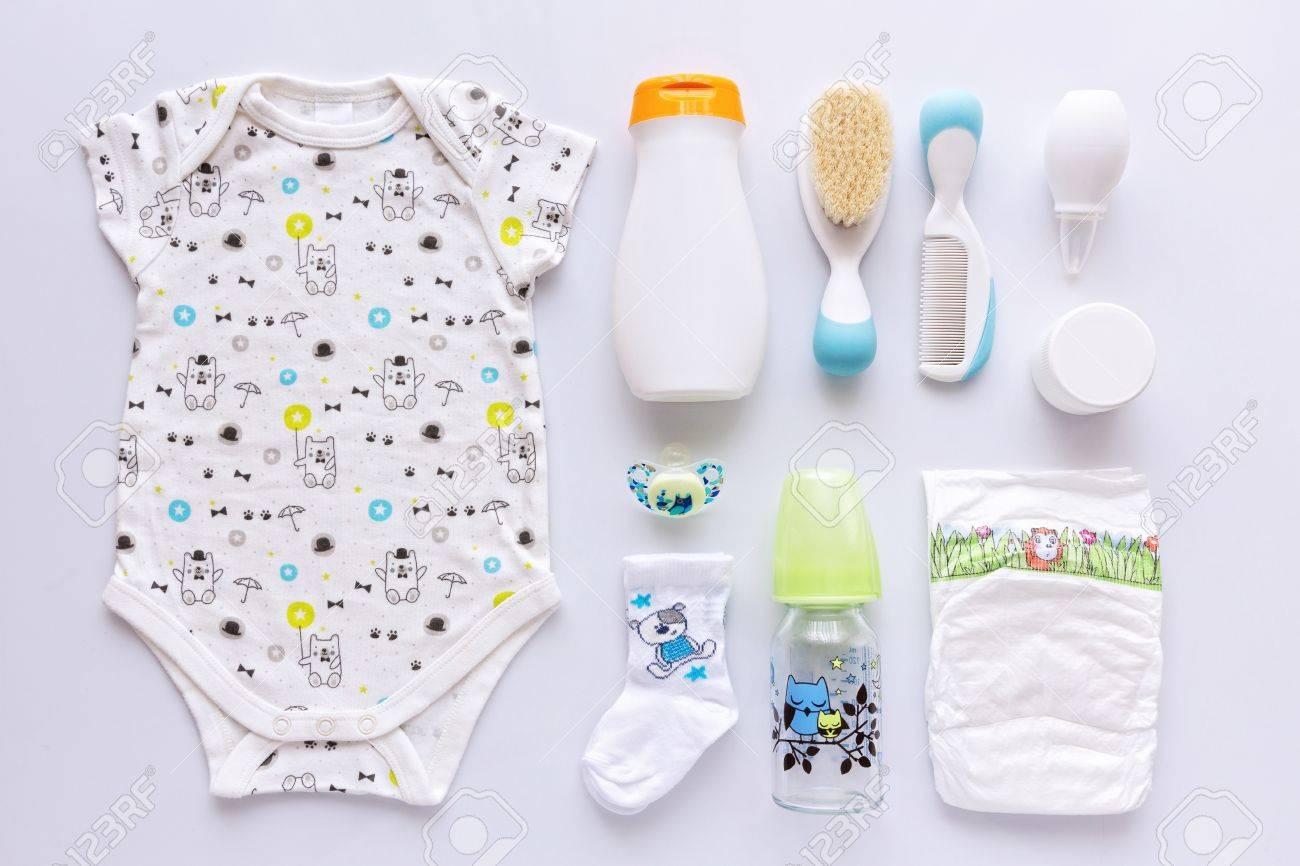 Uniseks Babykleding.Top View Of Unisex Newborn Baby Necessities Stock Photo Picture