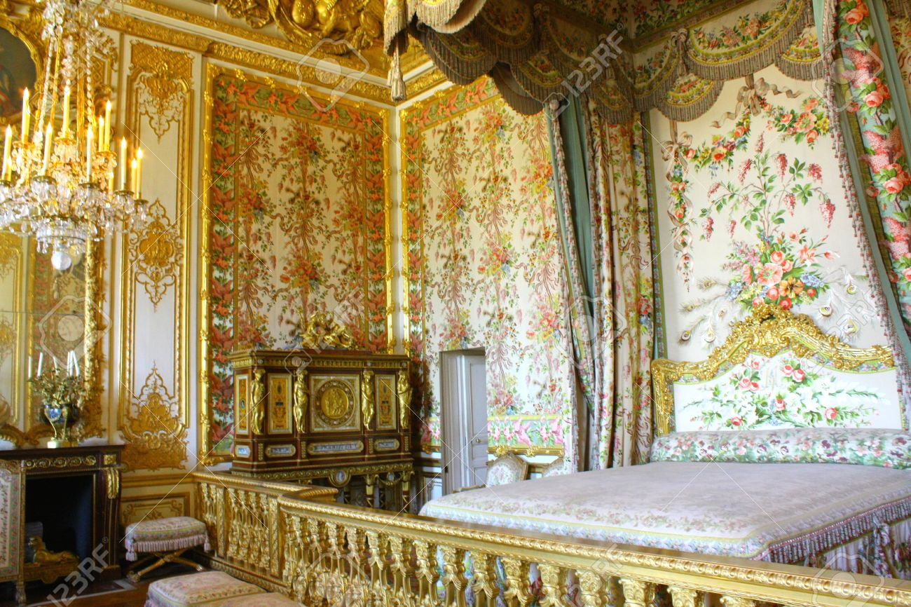 Interior Of Royal Bedroom At Chateau De Versailles (Palace Of ...