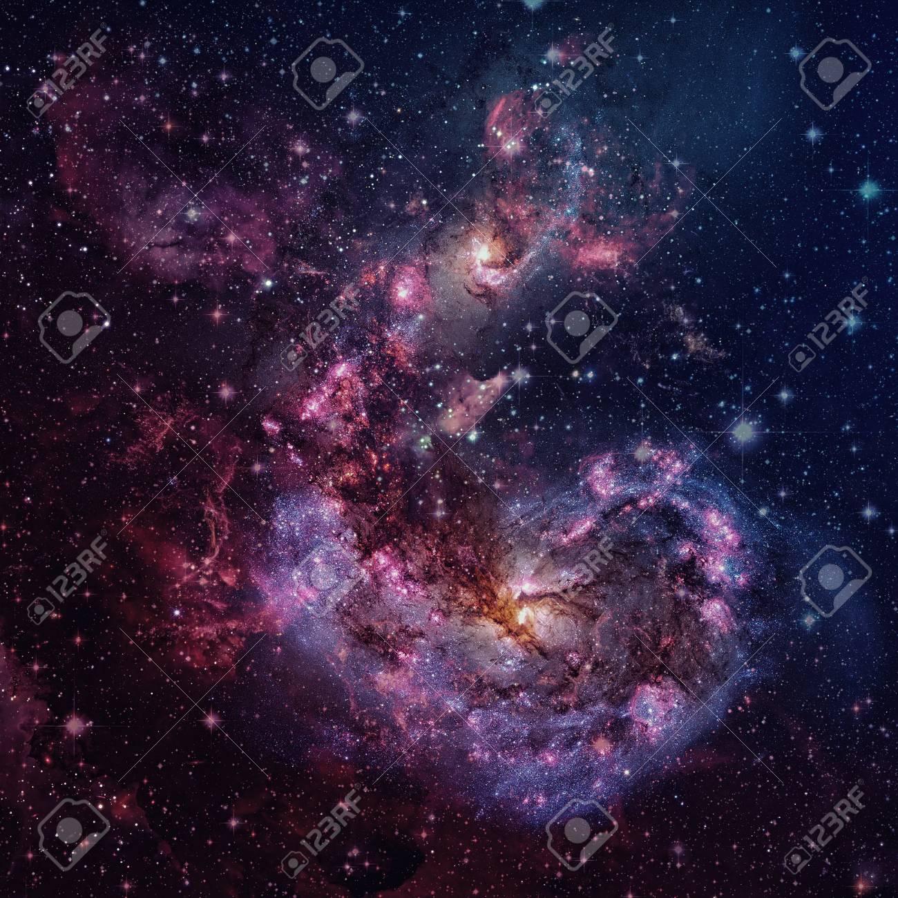 渦巻銀河と宇宙星雲。 ロイヤリ...