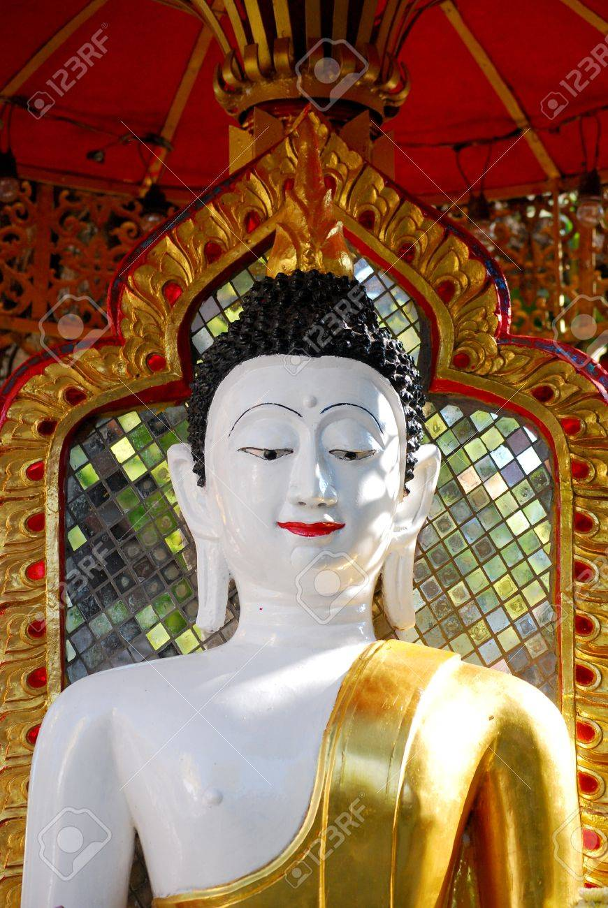 Buddhism Is The Dominant Religion In Thailand Therefore There - Thailand religion
