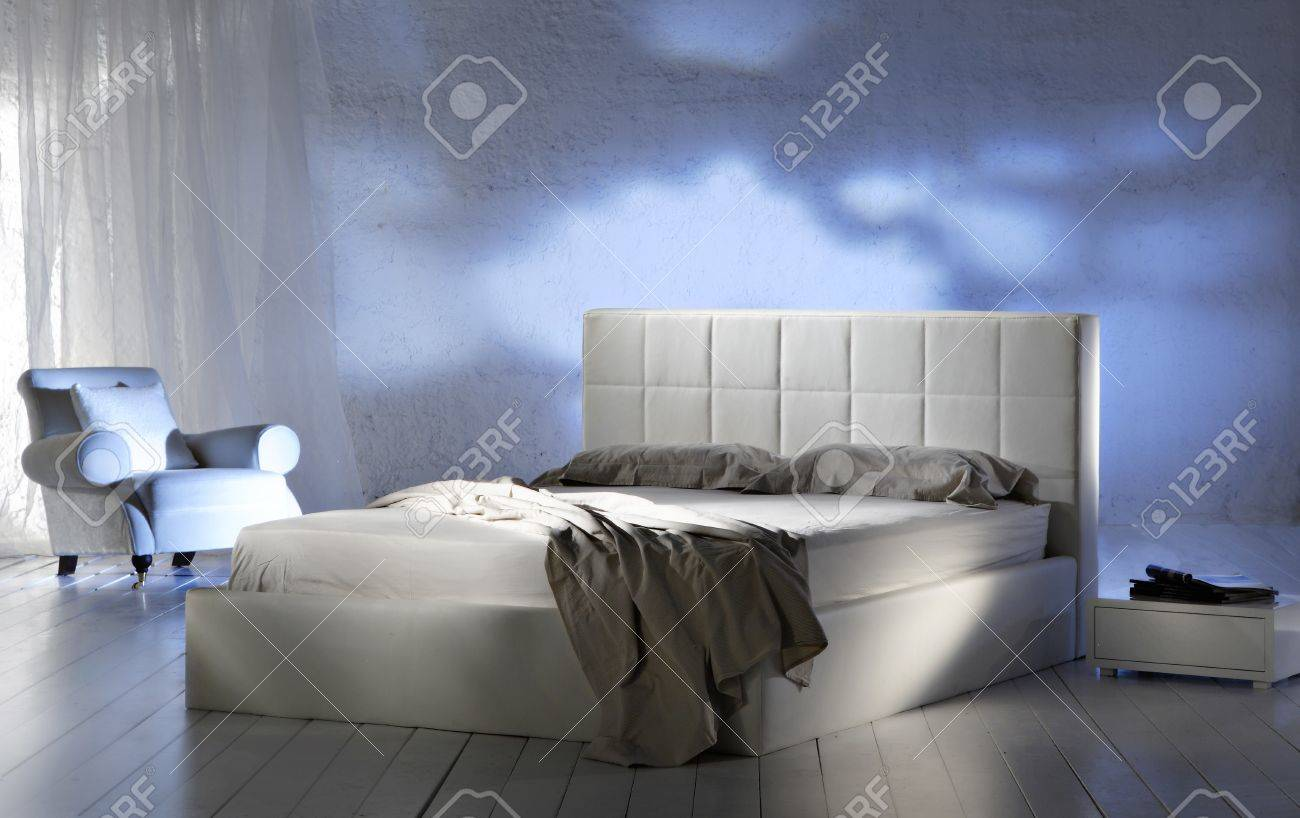 new-classic bedroom Stock Photo - 12165515