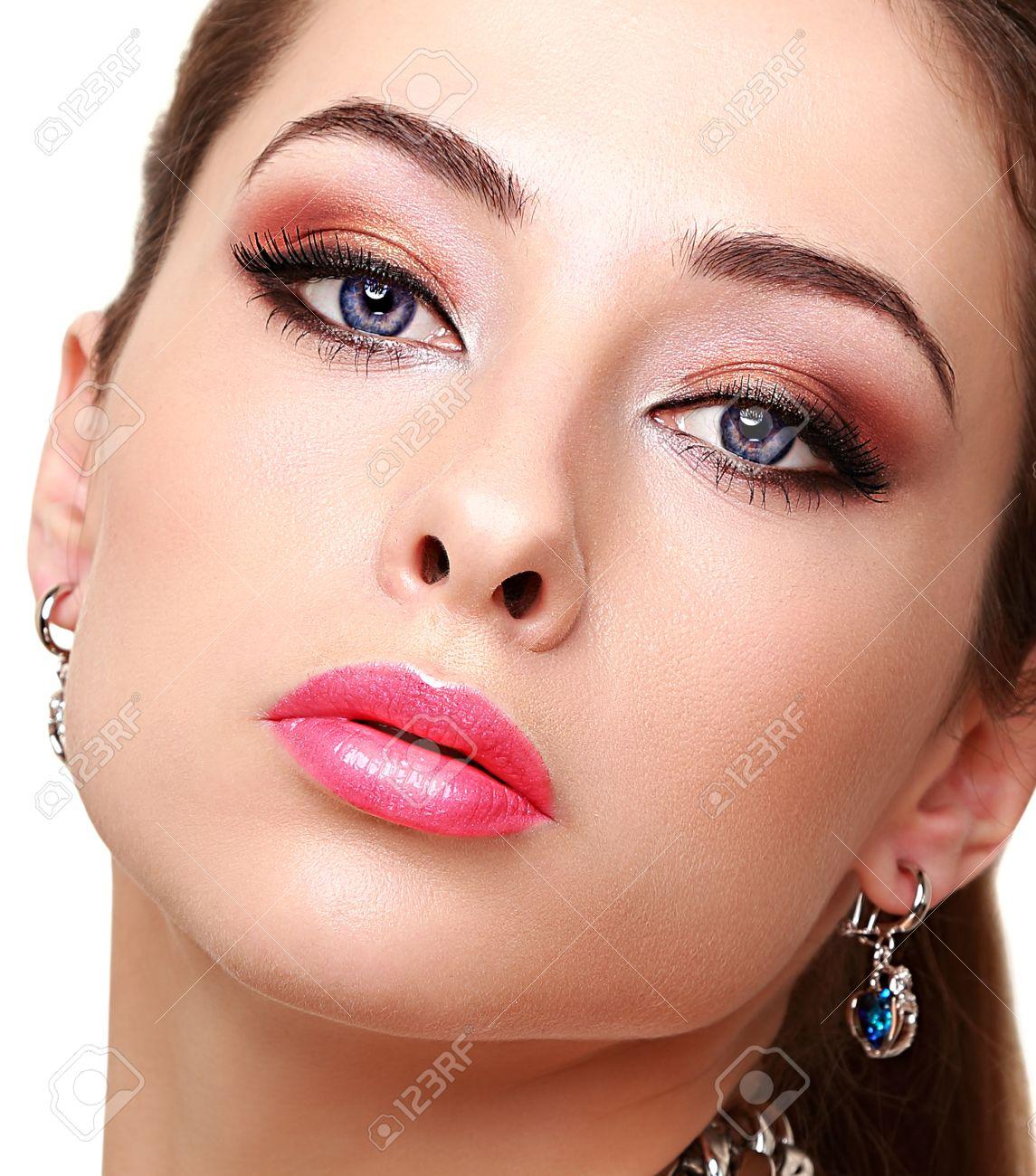 Makeup for long face