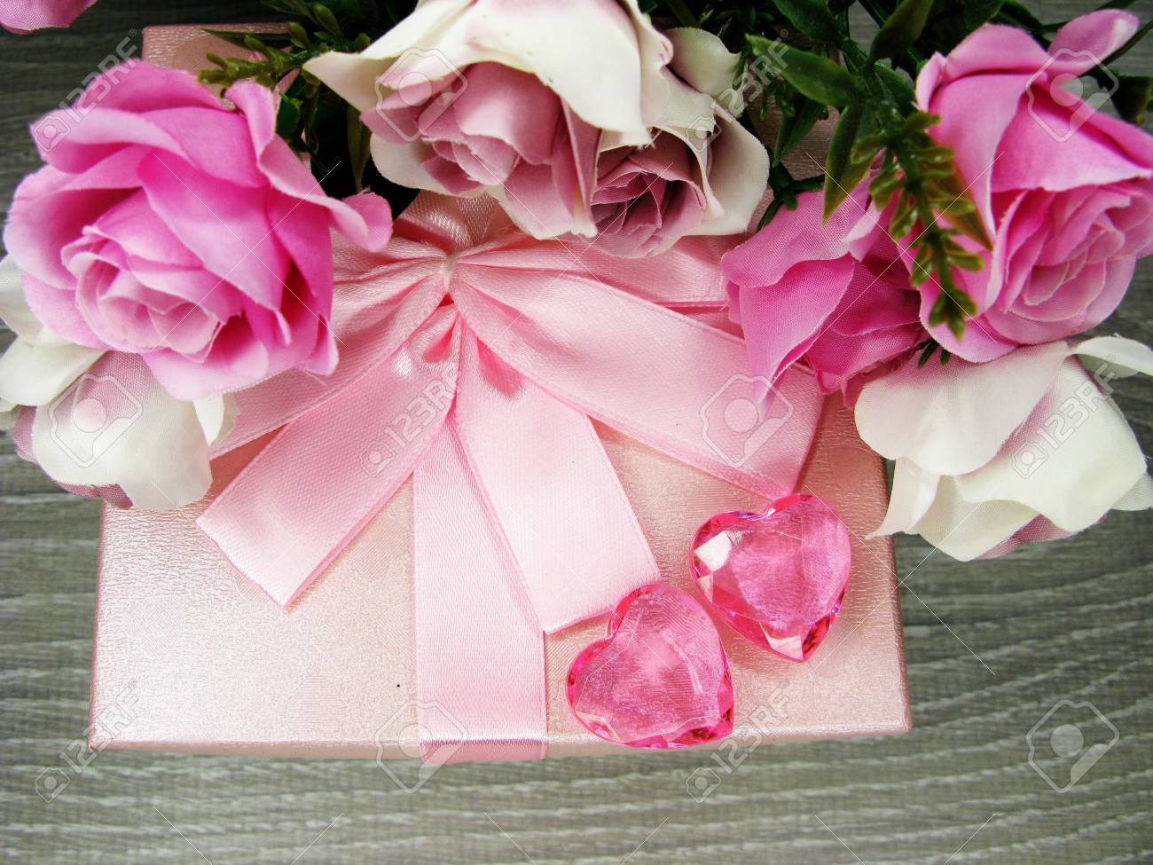 Love Valentine S Day Gift Box With Hearts And Rose Flowers