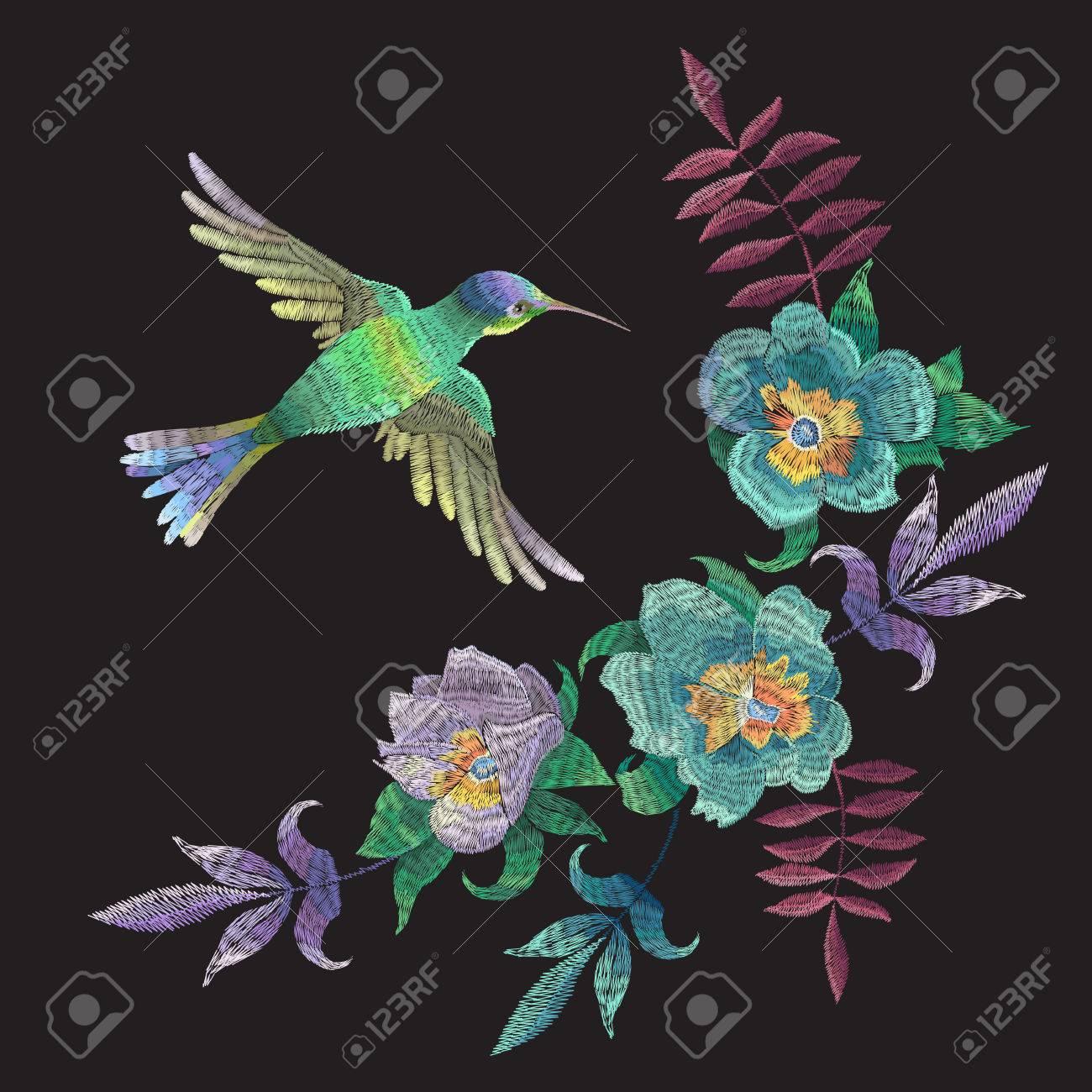 Patrón De Moda De Bordado Con Colibrí Y Flores Exóticas. Vector ...
