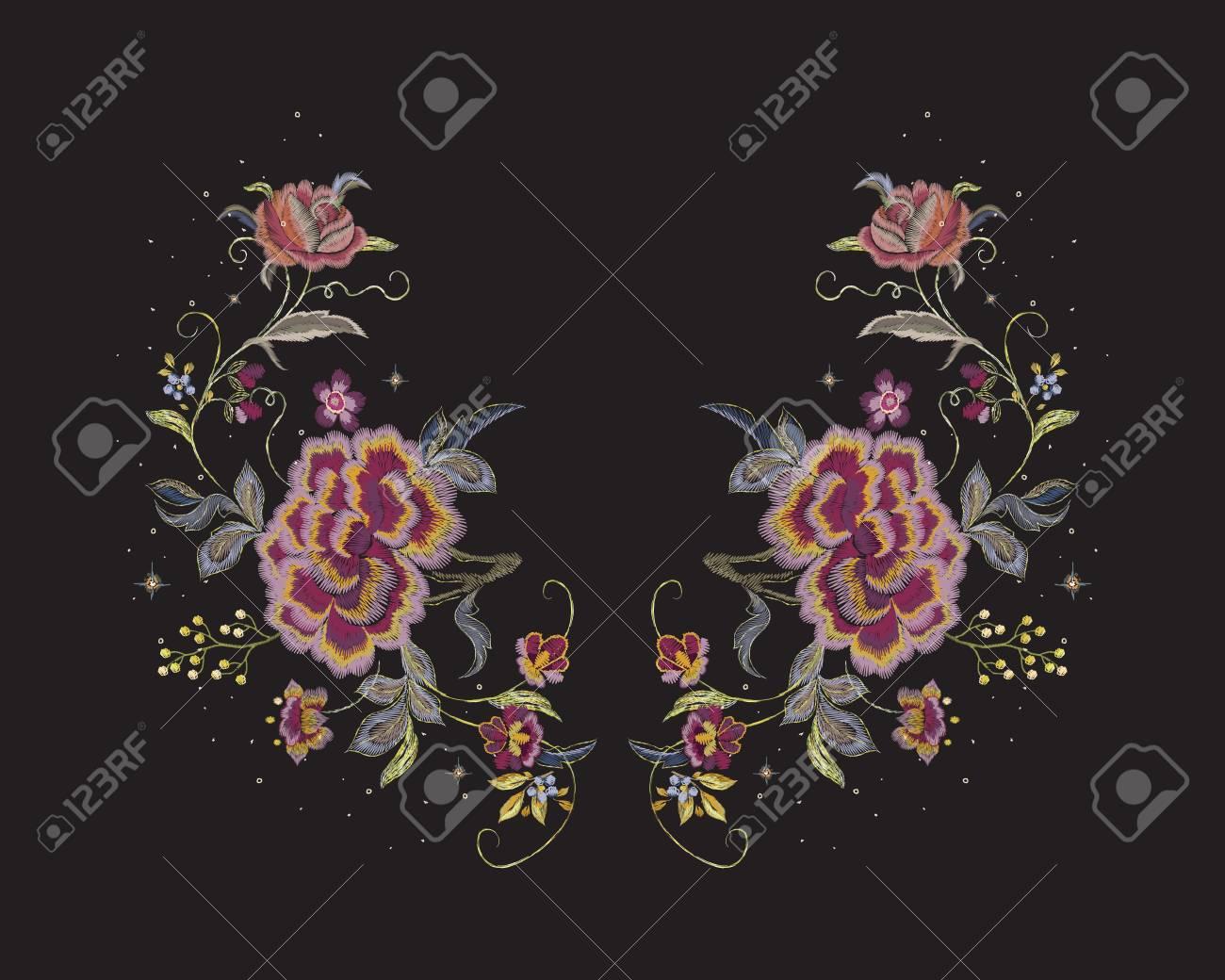 Stickerei-Blumenausschnittmuster Mit Roten Rosen. Vektor Gestickter ...