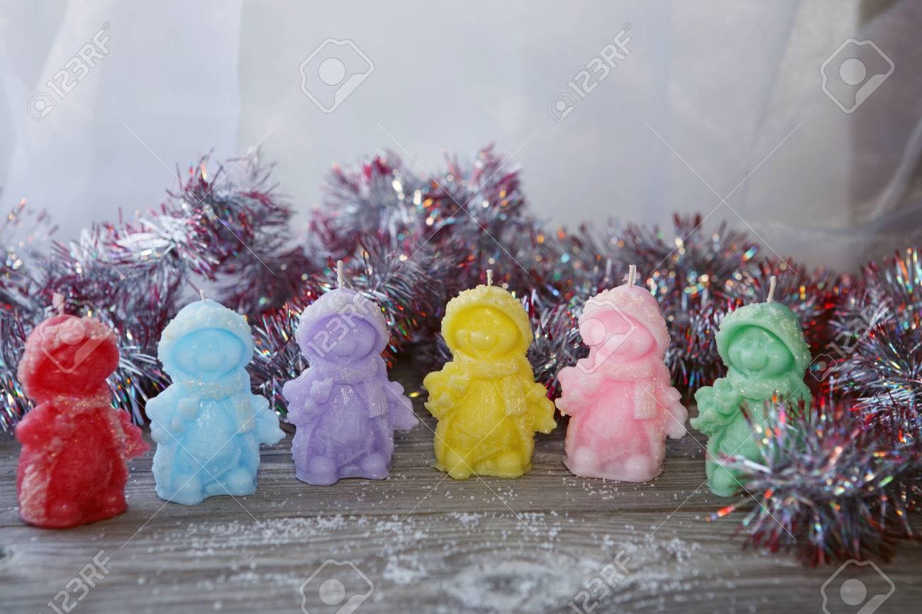 Bougies Artisanales Colorees En Forme De Bonhommes De Neige Bougies