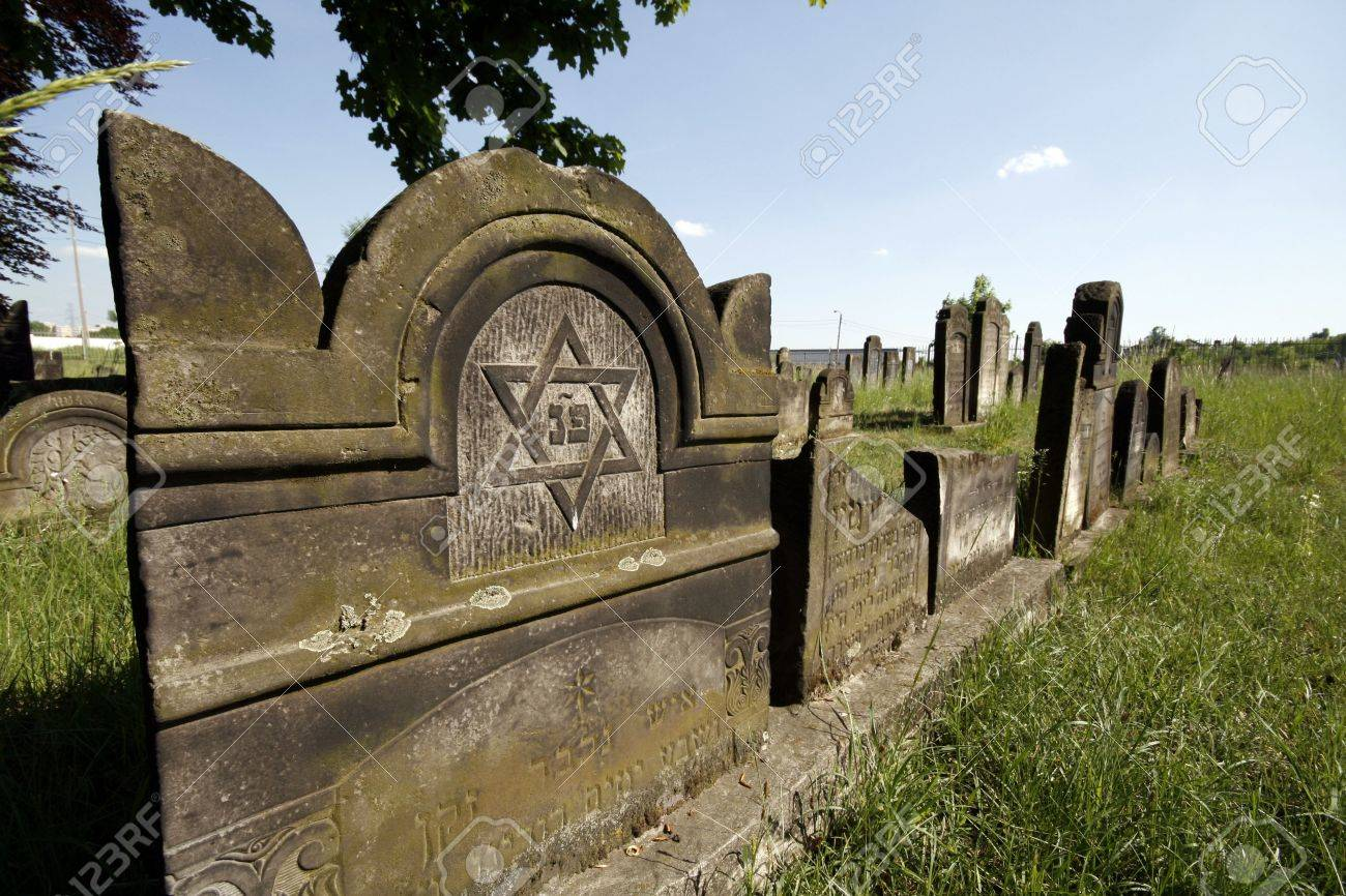 http://previews.123rf.com/images/naten/naten0905/naten090500010/4875908-Jewish-cemetery-in-Czeladz-town-in-Upper-Silesia-in-Poland-Stock-Photo.jpg