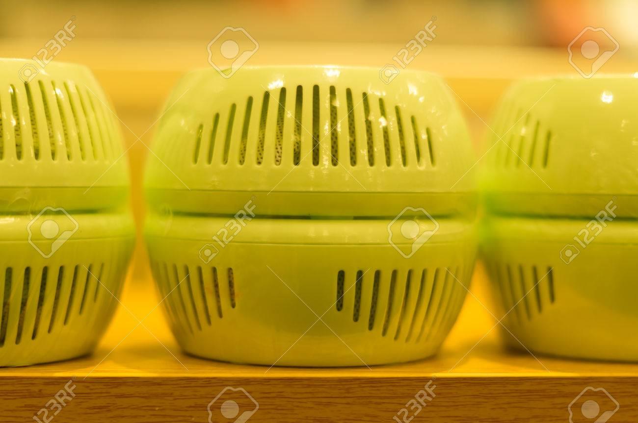 Kühlschrank Deo : Deodorant im kühlschrank verwendet lizenzfreie fotos bilder und