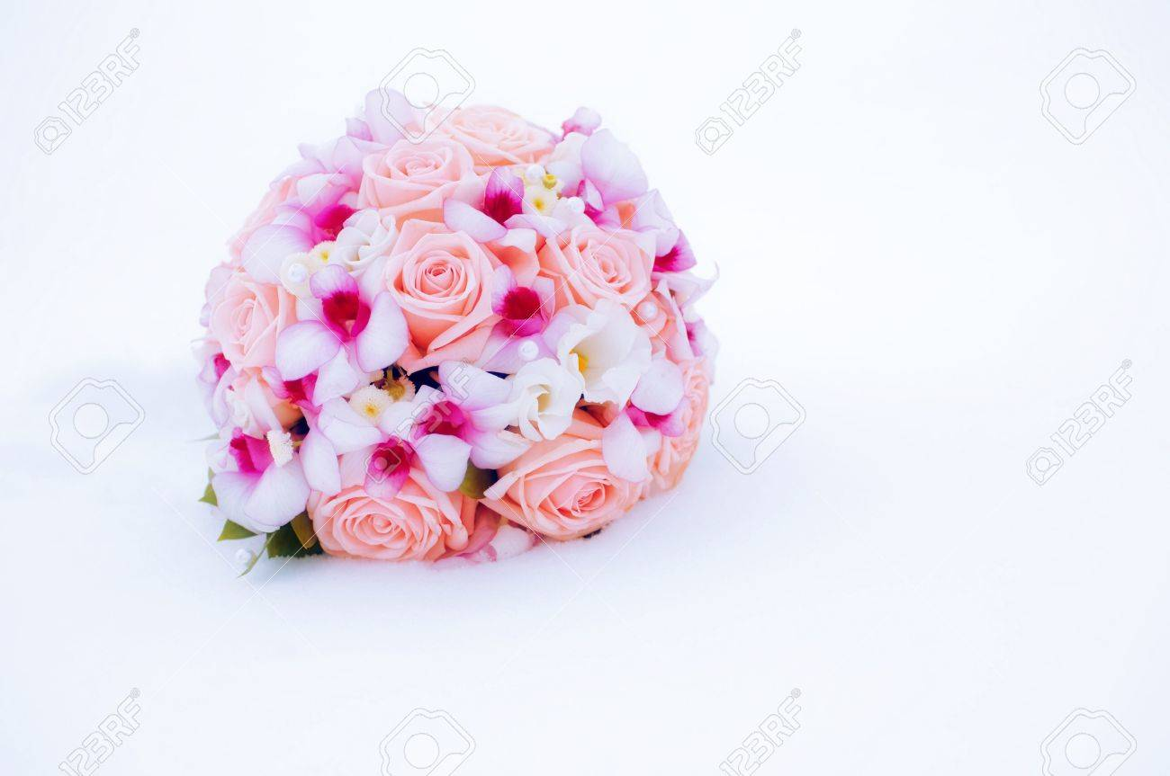 Beautiful Pink And Purple Wedding Bouquet On The Snow (winter ...