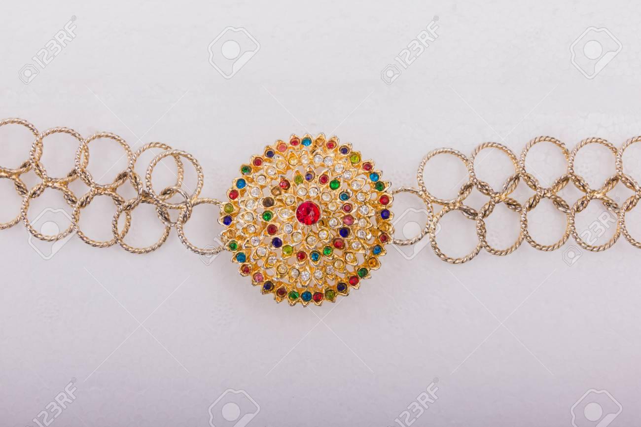 Schöne Goldgürtel Isoliert Auf Weißem Hintergrund Accesory Hochzeit