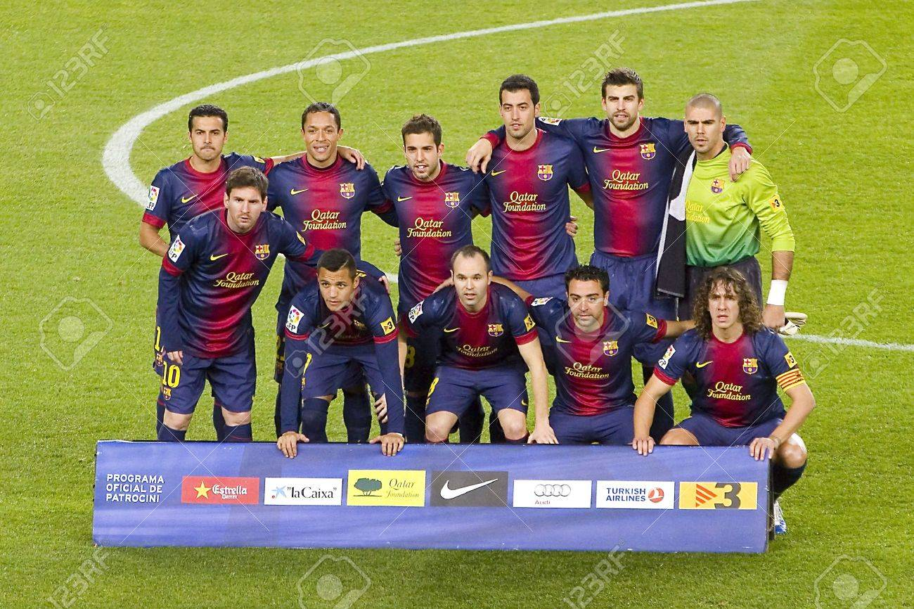 BARCELONA - DECEMBER 16: Barcelona players before the Spanish League match between FC Barcelona and Atletico de Madrid, final score 4 - 1, on December 16, 2012, in Camp Nou, Barcelona, Spain Stock Photo - 17327242