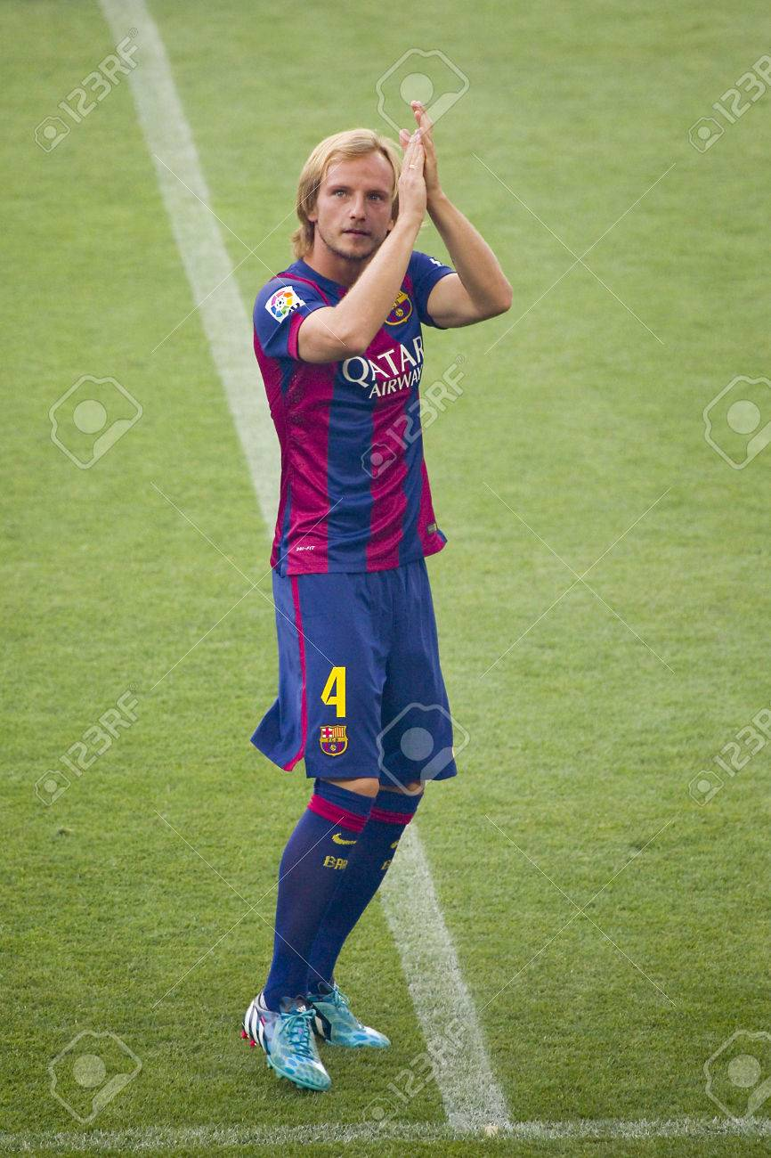 Ivan Rakitic Presentation In Front The Home Supporters Before