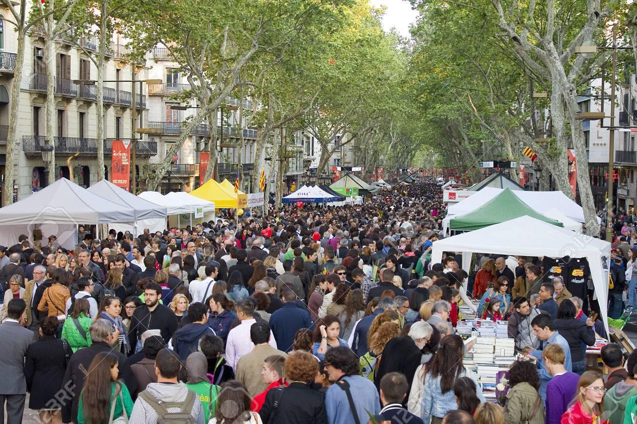 https://previews.123rf.com/images/natursports/natursports1504/natursports150400039/38953823-people-in-la-rambla-during-diada-de-sant-jordi-or-saint-george-day-a-famous-catalan-celebration-on-a.jpg