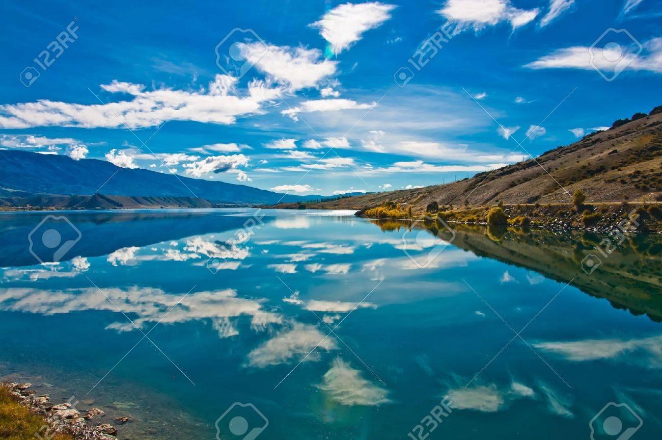 Beautiful reflection lake, New Zealand, Southern Alps Stock Photo - 10238258