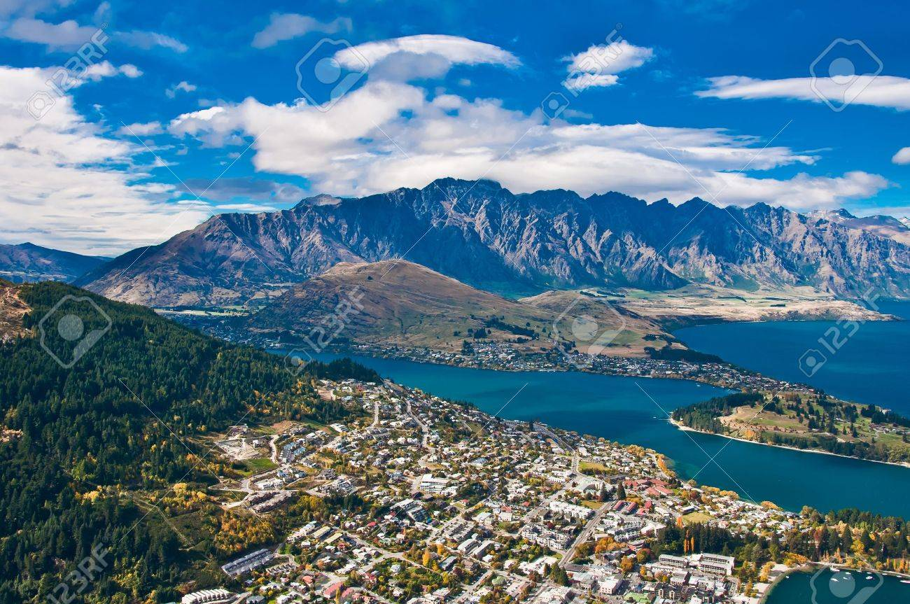 Queenstown downtown with the remarkable range Stock Photo - 10546733