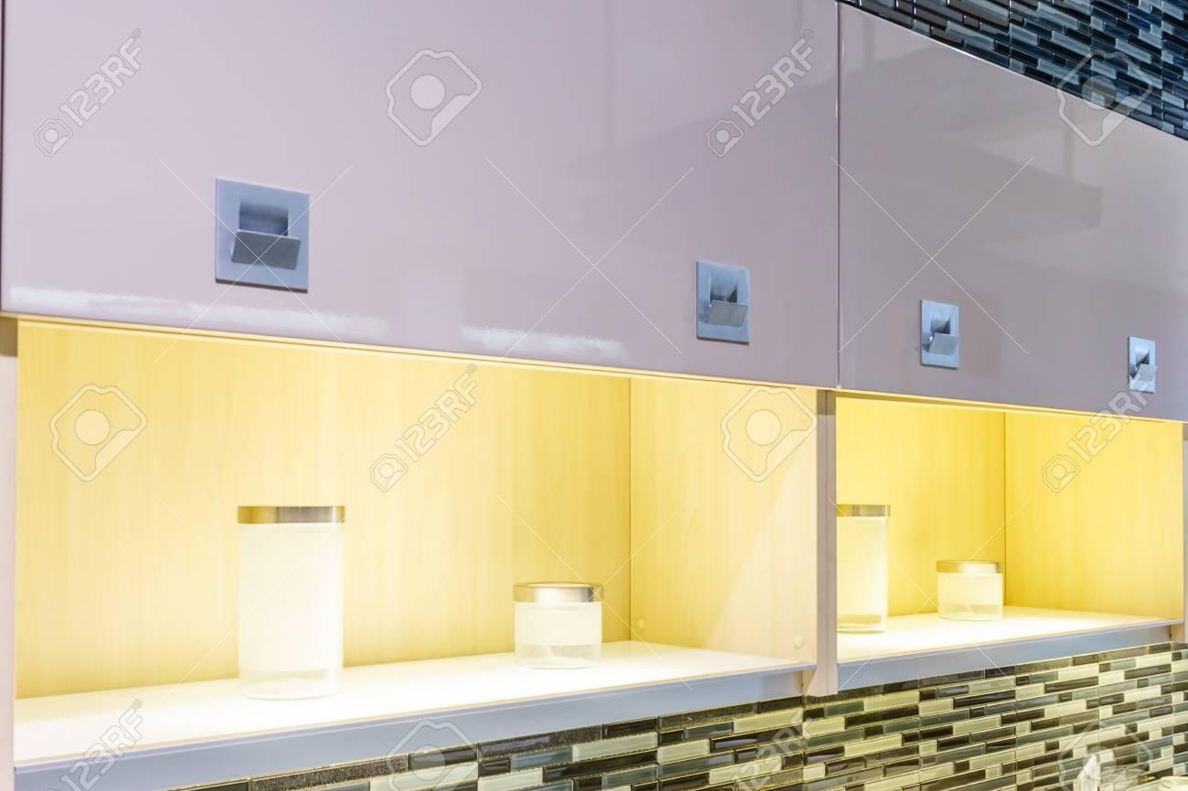 atemberaubende licht innenarchitektur kche kche interieur standard bild 85558726